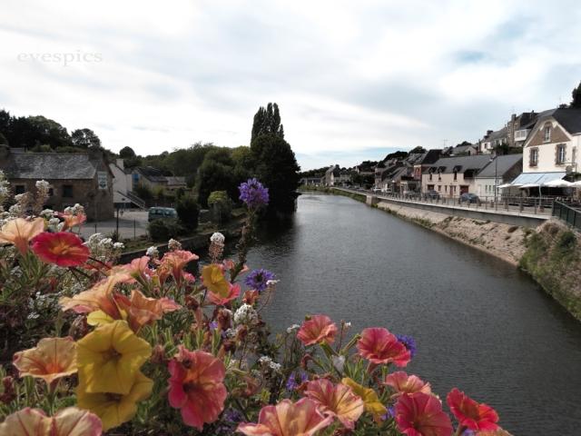 Josselin the Bridge into the Town